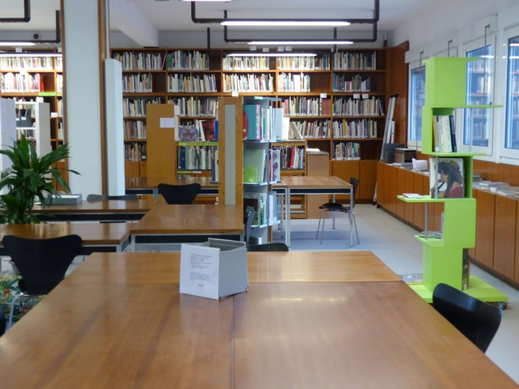 Bibliothèque de la Cité internationale de la tapisserie